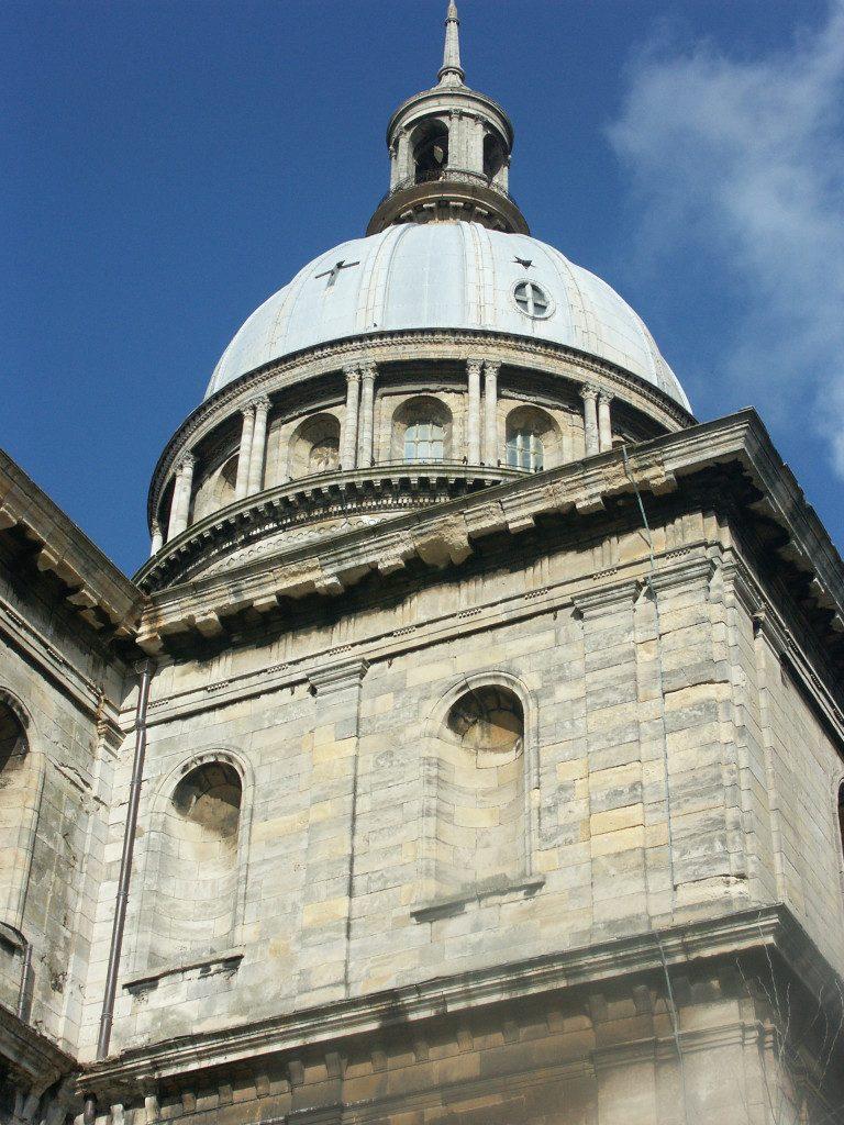akoavilla cathedrale de boulogne sur mer